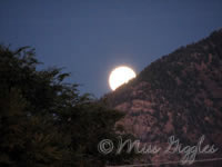 October 25, 2007 – moon rise